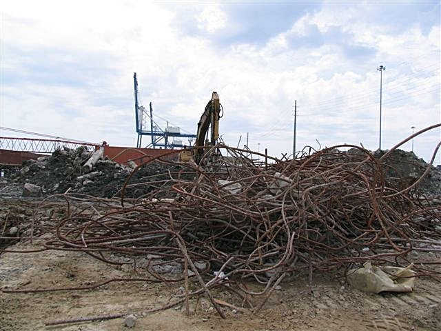apr_04_sparky_011_last_rebar.jpg