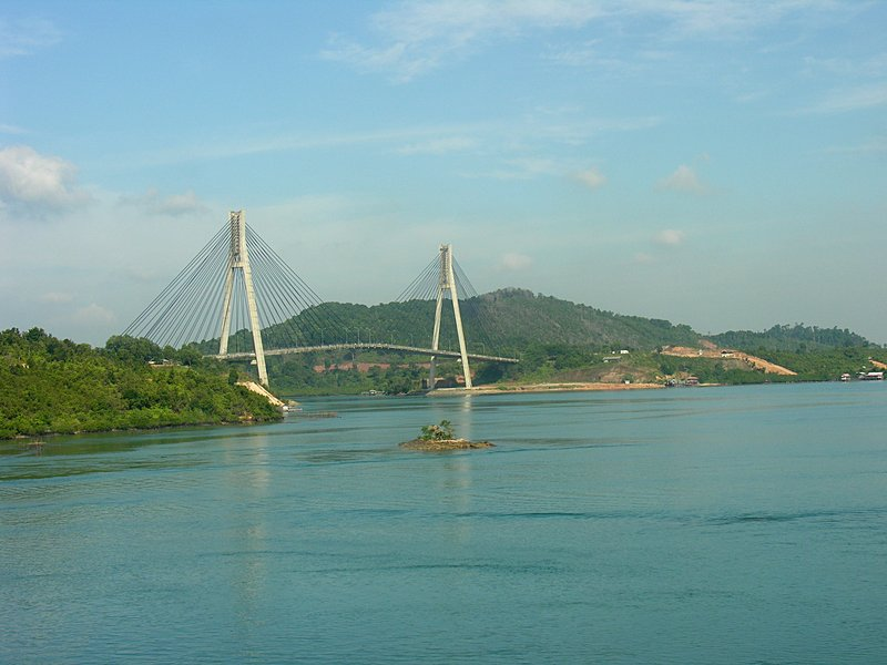 feb_20_1680_batam_cable_stay_bridge.jpg