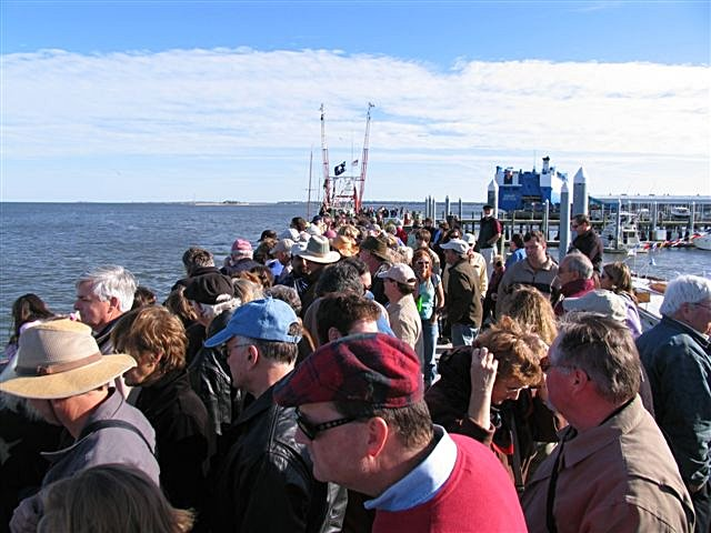 mar_04_ship_211_crowd.jpg